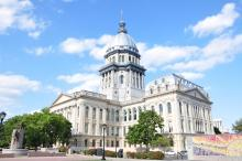 image of state capitol building in Springfield Illinois